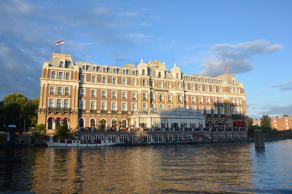 Amsterdam J1 - 18