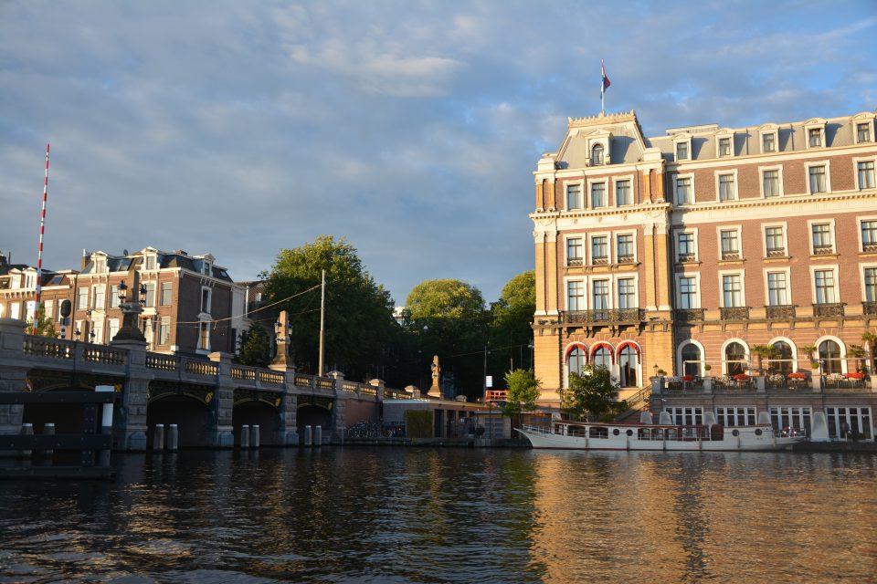 Amsterdam J1 - 19