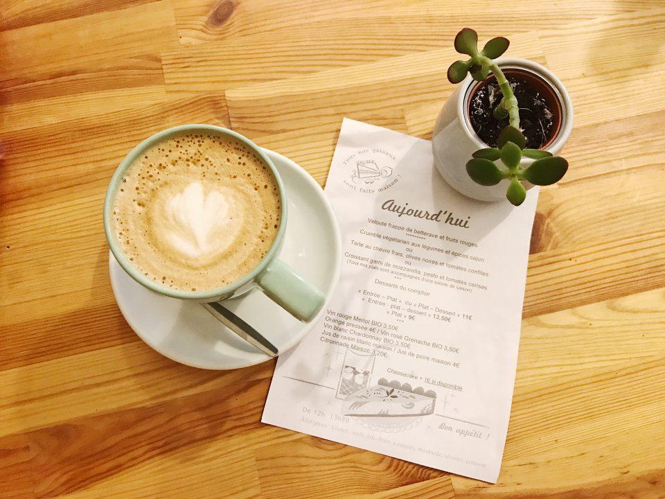 Café latte Laureline's Corner.