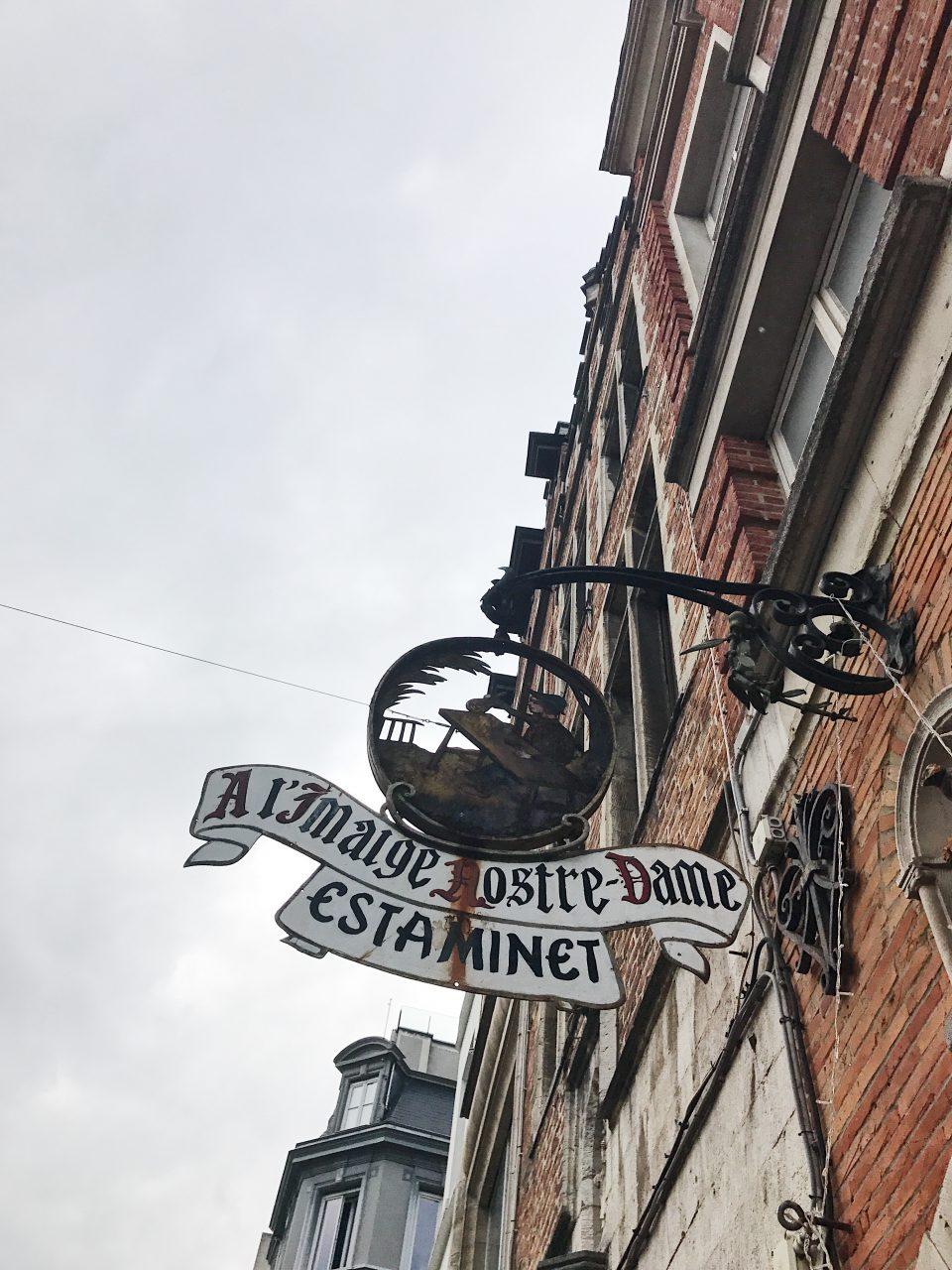 Rue de Bruxelles.