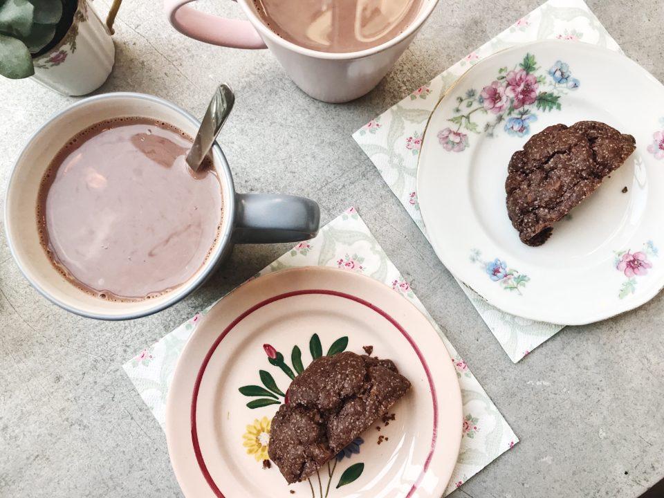 Cookies et chocolats chauds chez Coney Cookies.