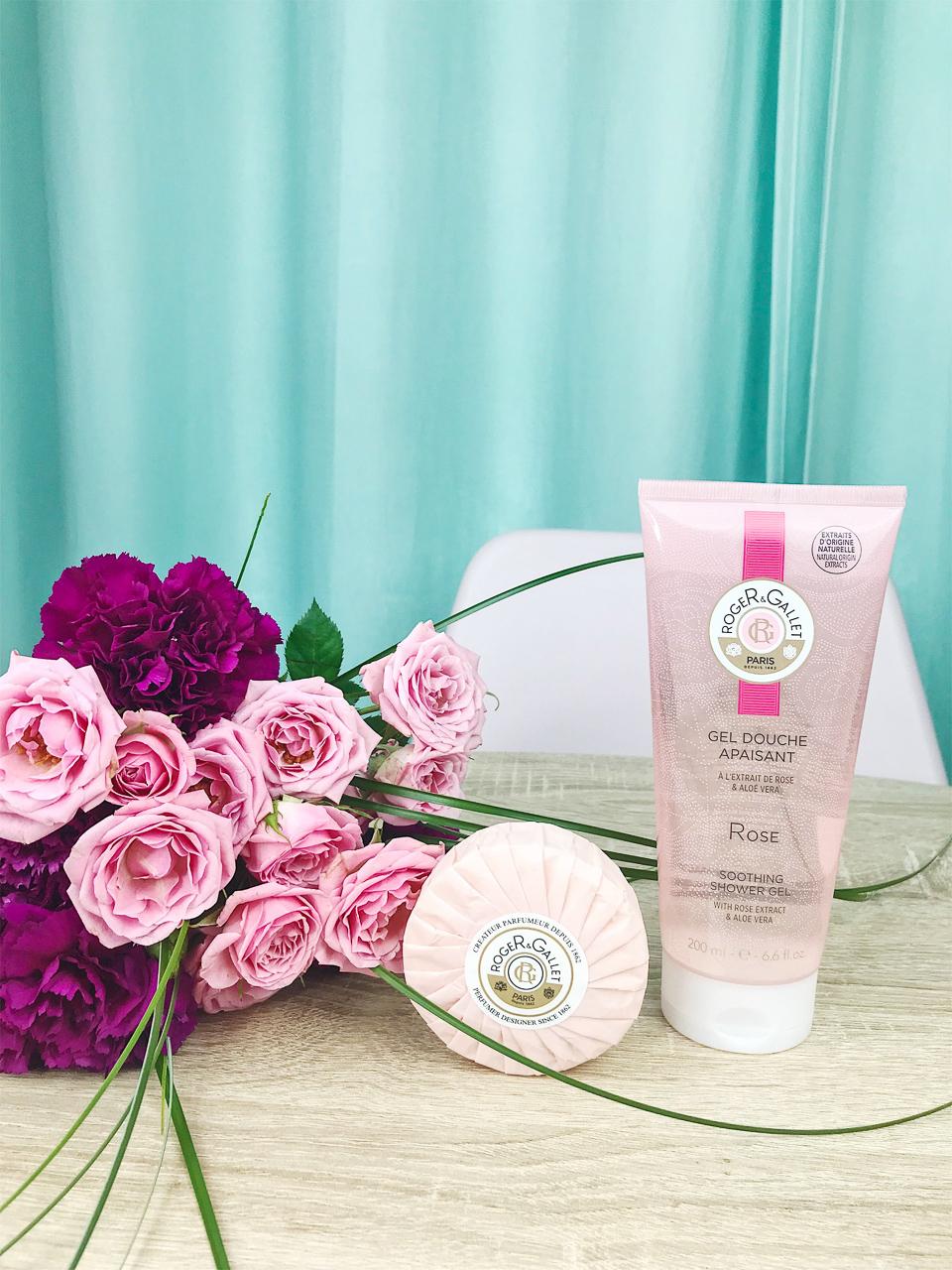 Savon Parfumé et Gel Douche Apaisant - Rose, ROGER & GALLET.