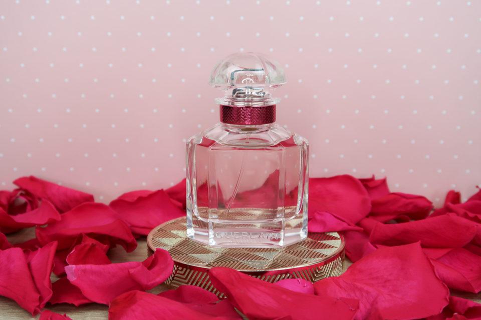 Flacon de l'eau de toilette Mon GUERLAIN Bloom of Rose.