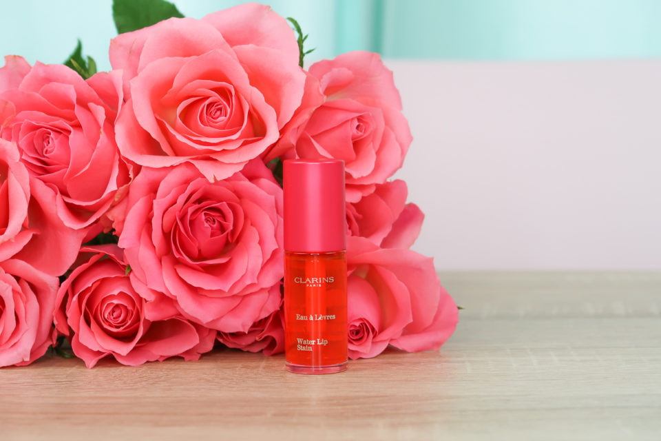 "Water Lip Stain de CLARINS en teinte ""01 Rose Water""."