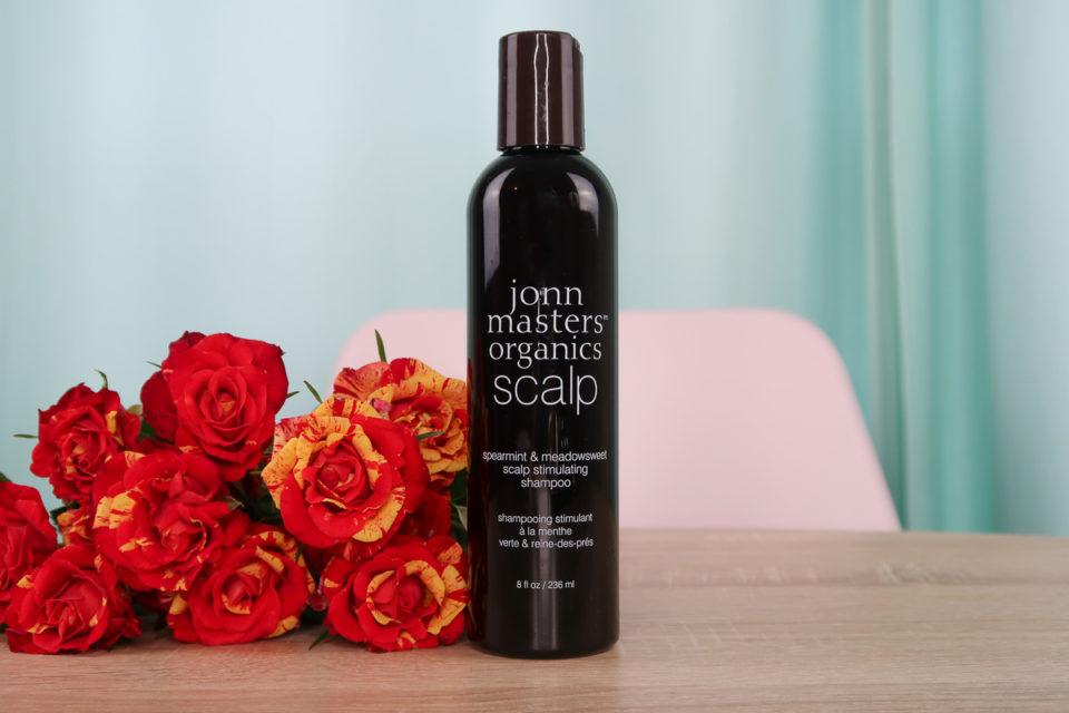 Shampoing Stimulant à la Menthe Poivrée et à la Reine-des-Prés, John Masters Organics.